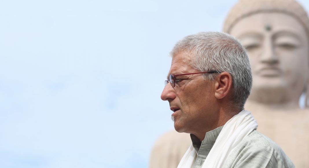 Maarten Olthof en Boeddha © James Dean Conklin