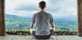De ultieme retraite: meditatie in een eenvoudig verblijf middenin de natuur