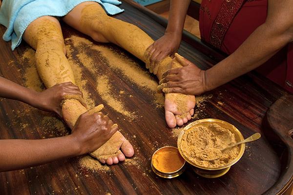 Panchakarma massage met kruiden